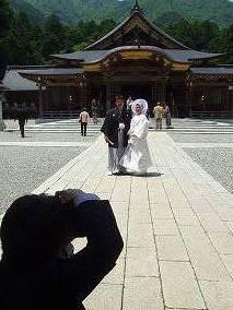 花嫁拝殿.jpg